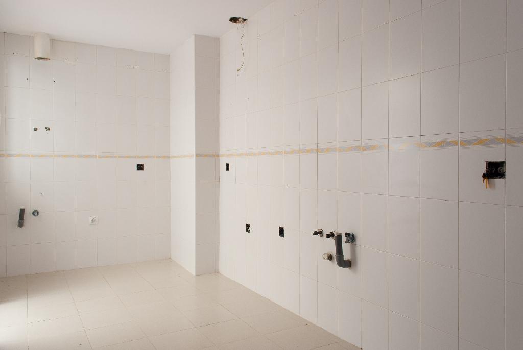 Piso en venta en Punta Carnero, Algeciras, Cádiz, Paseo Paseo Victoria Eugenia, 49.000 €, 2 habitaciones, 1 baño, 78 m2