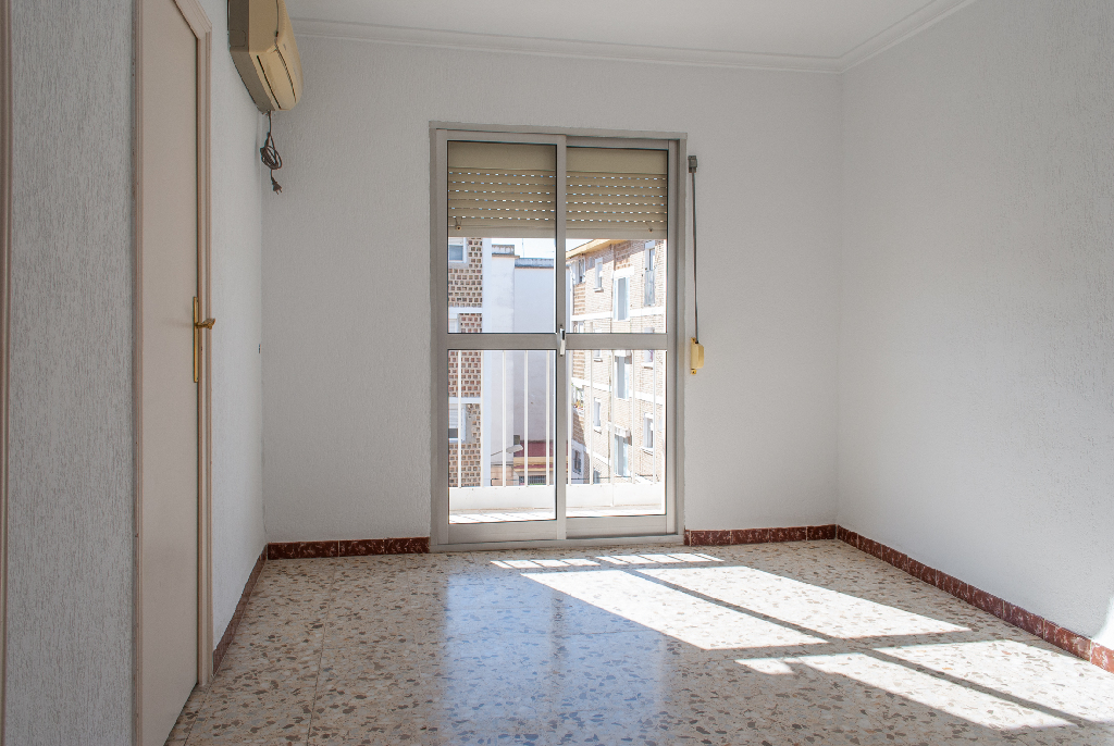 Piso en venta en Jerez de la Frontera, Cádiz, Calle la Piquera, 23.000 €, 3 habitaciones, 1 baño, 54 m2