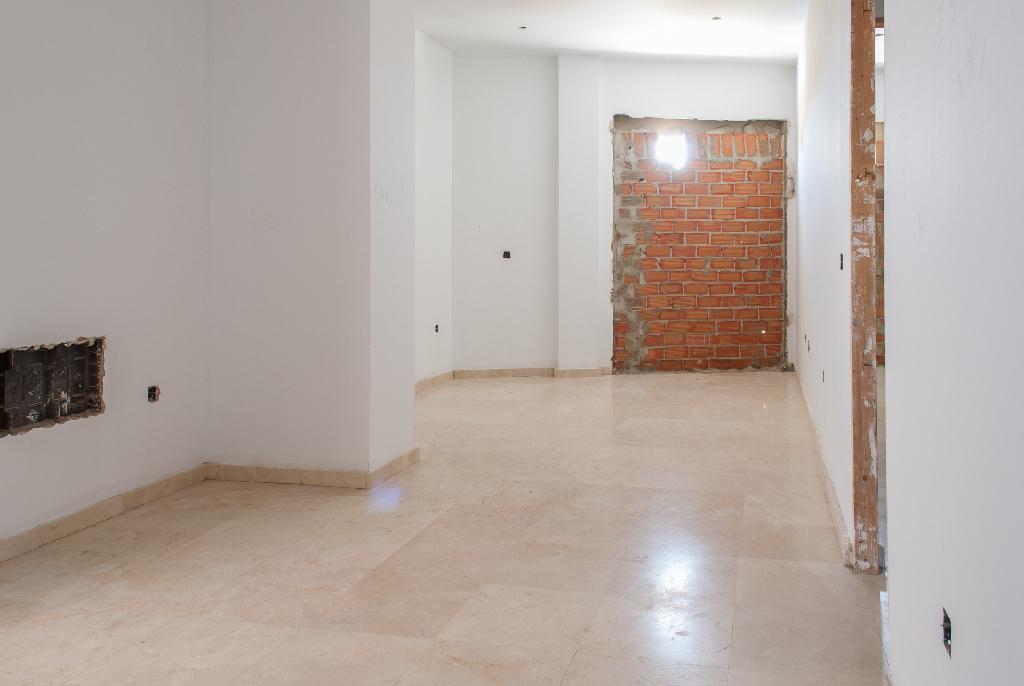 Piso en venta en Chiclana de la Frontera, Cádiz, Calle de Borreguito, 76.000 €, 2 habitaciones, 1 baño, 81 m2