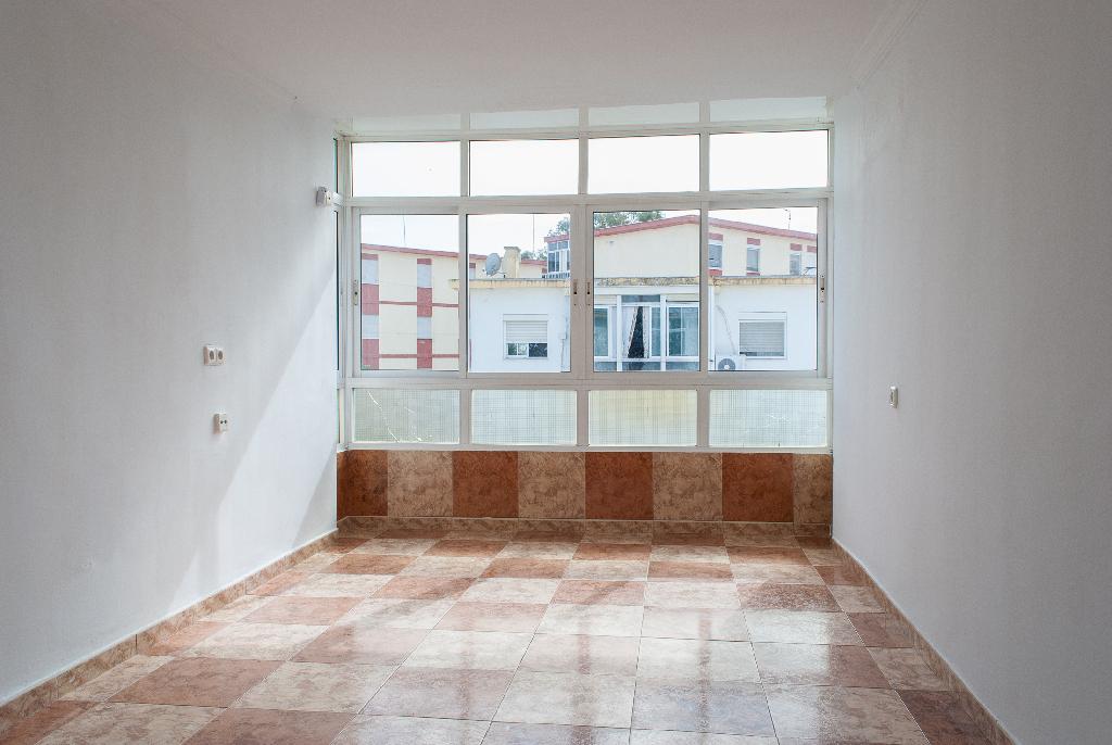 Piso en venta en El Puerto de Santa María, Cádiz, Calle Francisco Uriarte, 37.000 €, 3 habitaciones, 1 baño, 56 m2