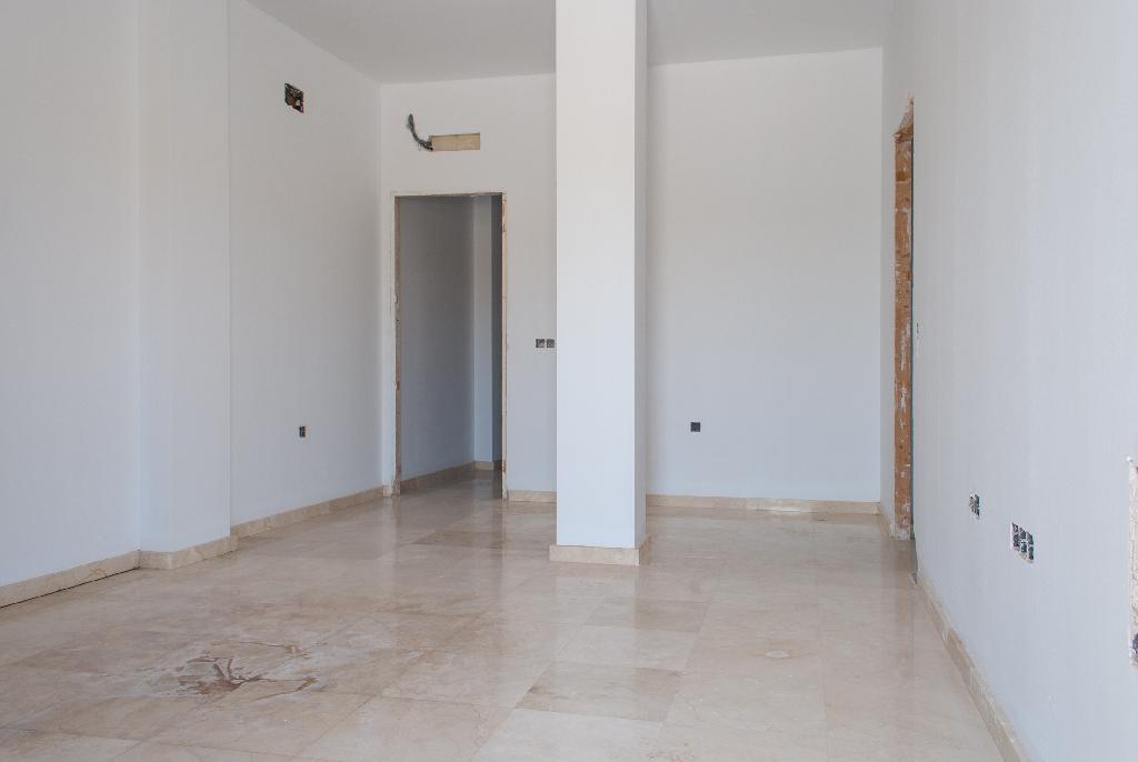 Piso en venta en Chiclana de la Frontera, Cádiz, Calle Callejon de Borreguito, 76.000 €, 3 habitaciones, 1 baño, 107 m2