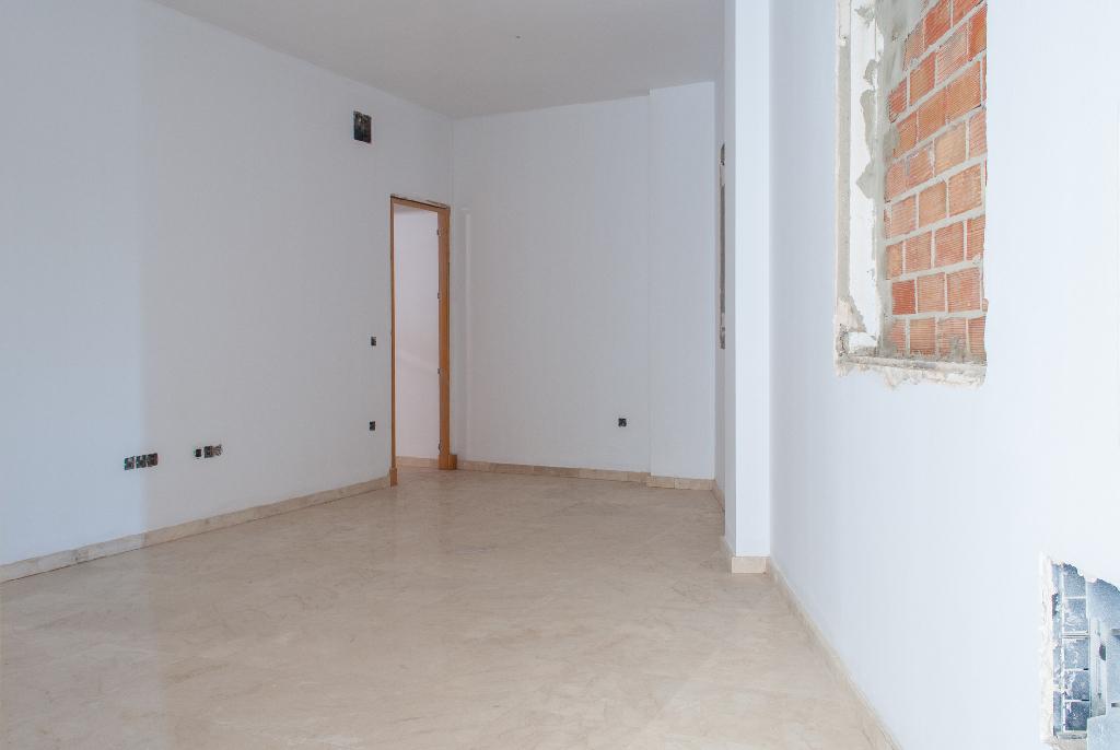 Piso en venta en Chiclana de la Frontera, Cádiz, Calle Callejon de Borreguito, 76.000 €, 2 habitaciones, 1 baño, 77 m2