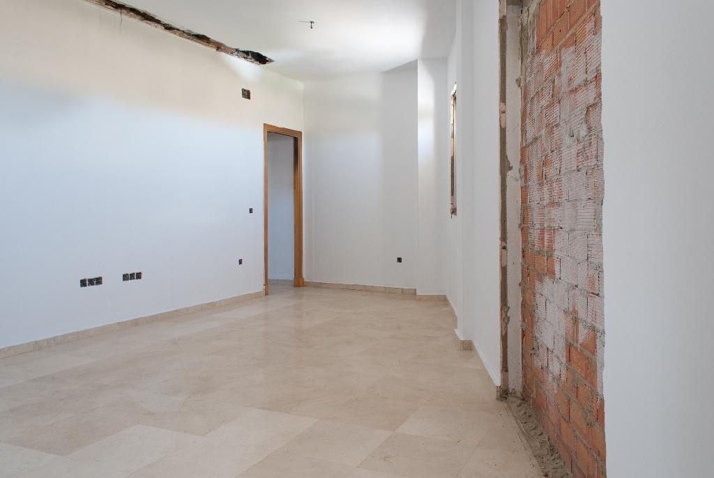 Piso en venta en Chiclana de la Frontera, Cádiz, Calle Callejon de Borreguito, 76.000 €, 2 habitaciones, 1 baño, 69 m2