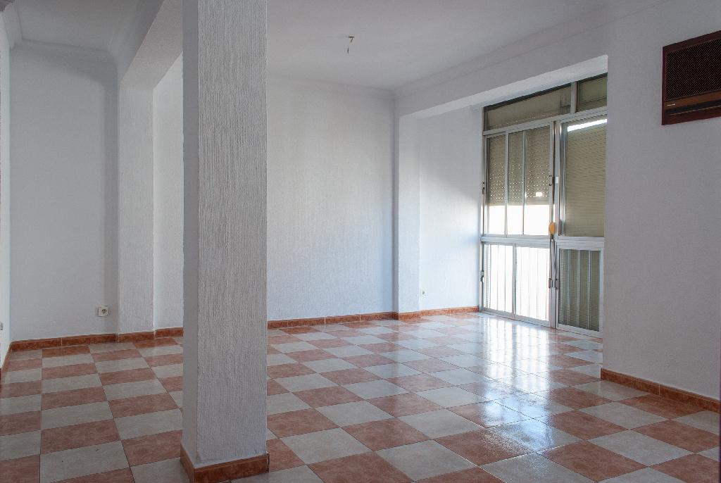 Piso en venta en Sevilla, Sevilla, Calle Brenes, 57.000 €, 2 habitaciones, 1 baño, 62 m2