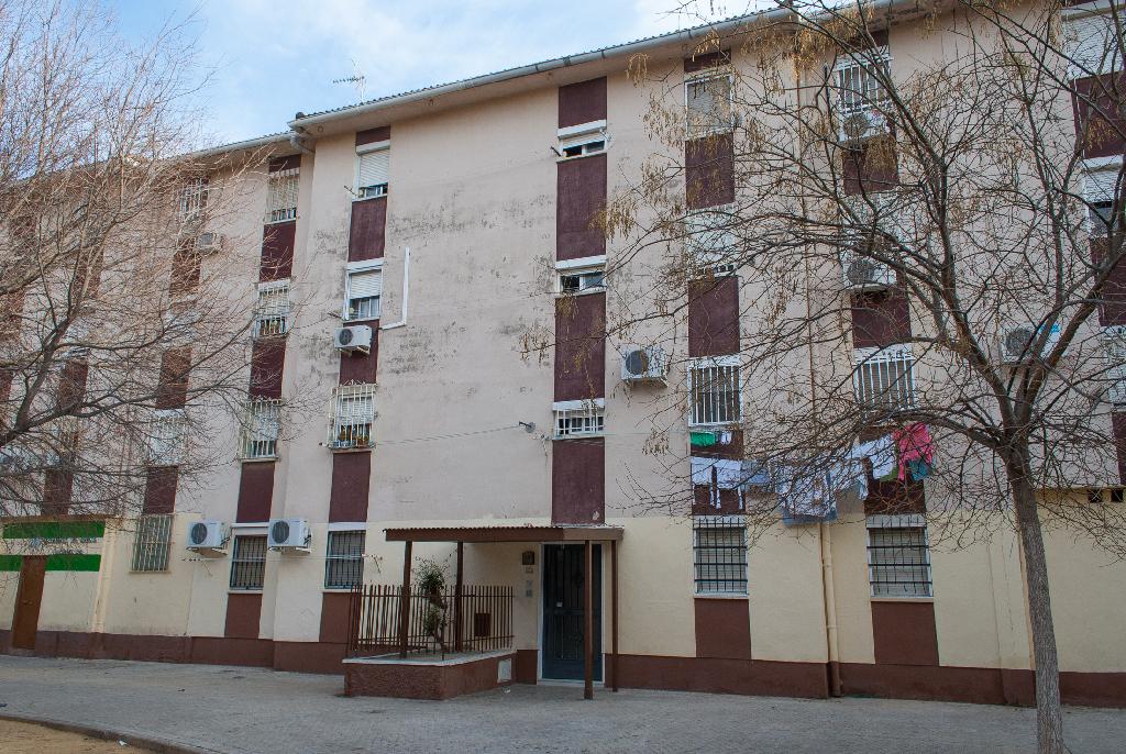Piso en venta en Sevilla, Sevilla, Calle El Ideal Andaluz, 34.000 €, 3 habitaciones, 1 baño, 71 m2