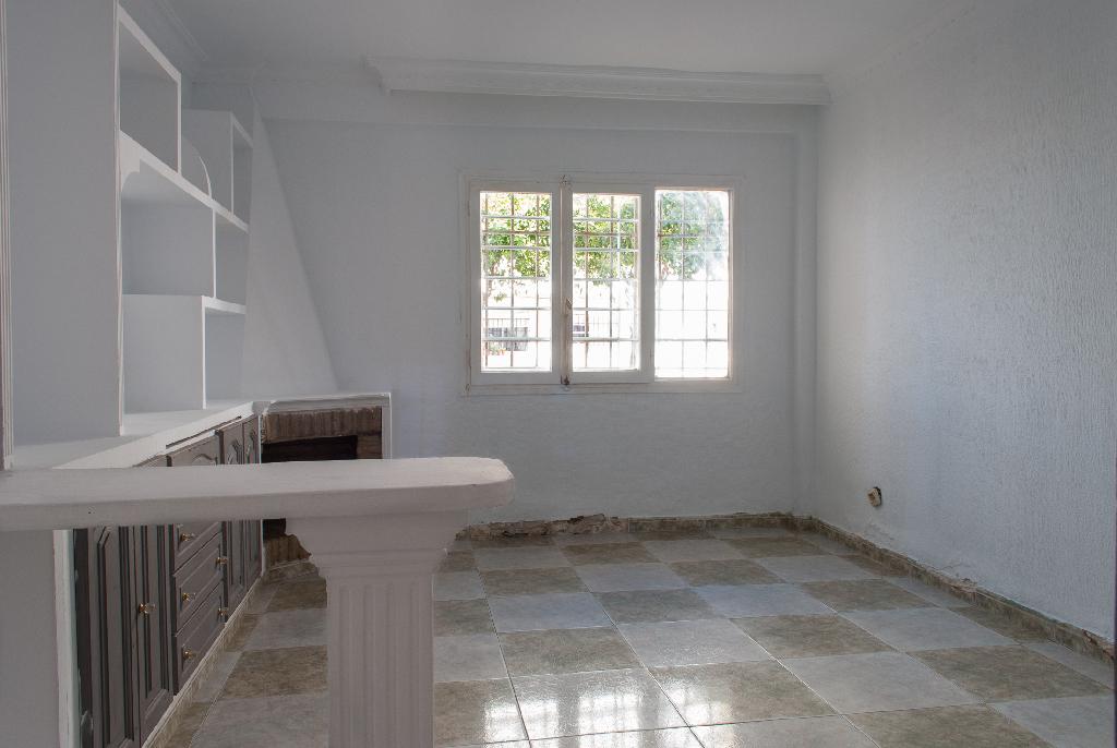 Piso en venta en Jerez de la Frontera, Cádiz, Calle Polígono San Telmo, 32.000 €, 3 habitaciones, 1 baño, 72 m2