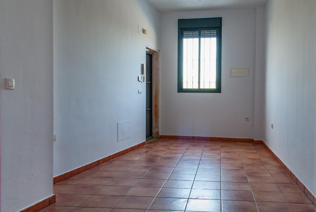 Piso en venta en Aznalcóllar, Sevilla, Calle Valparaiso, 58.500 €, 2 habitaciones, 1 baño, 53 m2