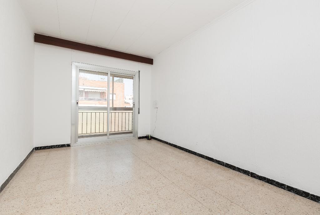 Piso en venta en Terrassa, Barcelona, Calle Periodista Grane, 113.500 €, 3 habitaciones, 1 baño, 73 m2