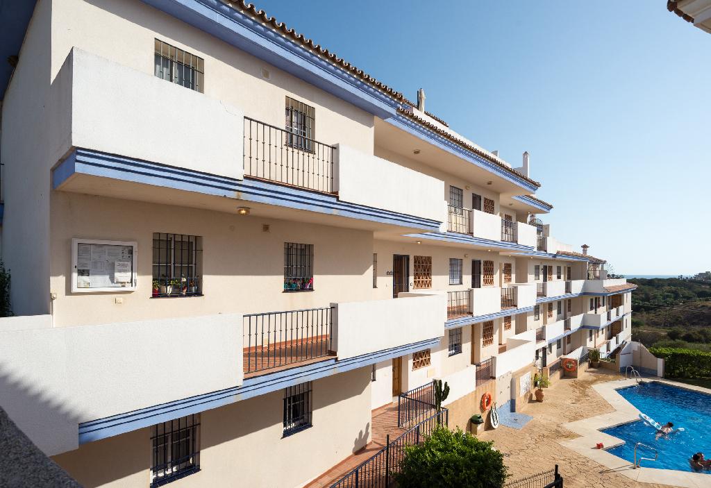 Piso en venta en El Faro, Mijas, Málaga, Calle Mijas-faro El, 136.000 €, 3 habitaciones, 2 baños, 85 m2