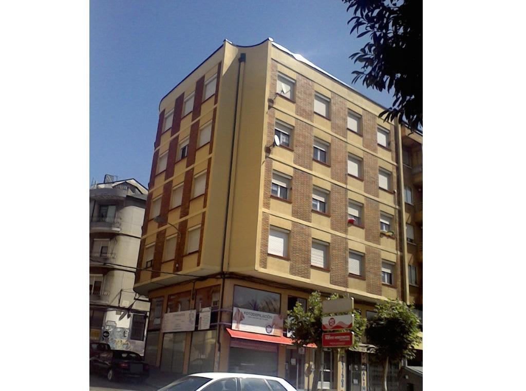 Piso en venta en Flores del Sil, Ponferrada, León, Avenida Portugal, 56.000 €, 2 habitaciones, 1 baño, 90 m2