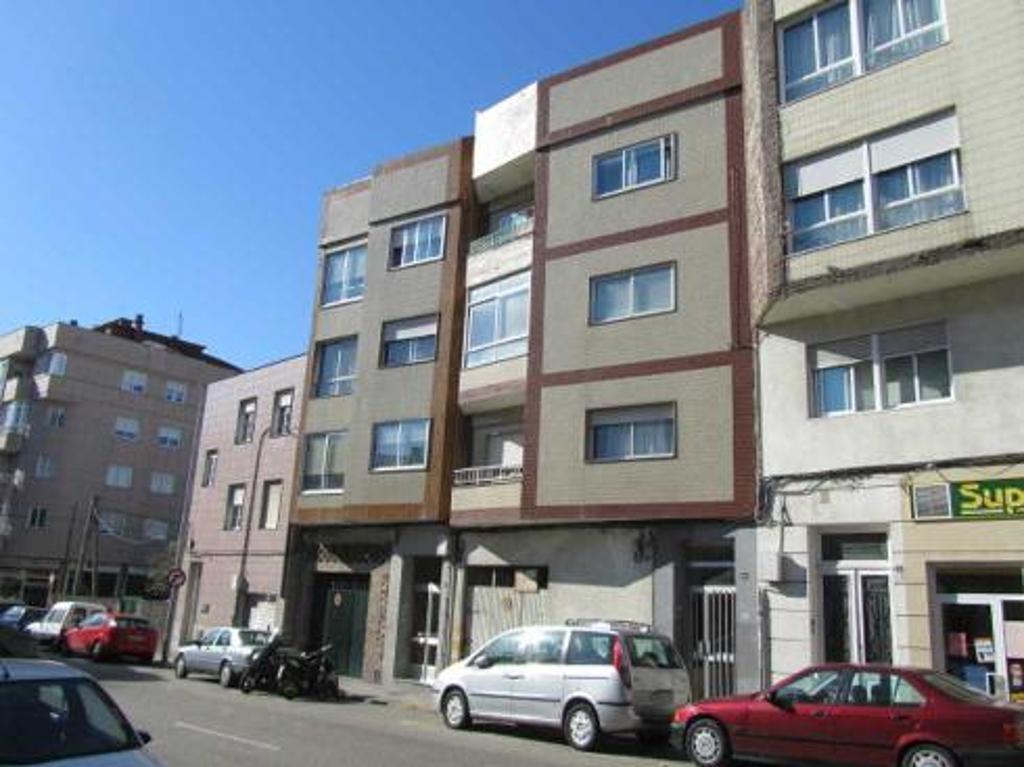 Piso en venta en Vigo, Pontevedra, Calle Doctor Carracido, 62.300 €, 3 habitaciones, 2 baños, 98 m2
