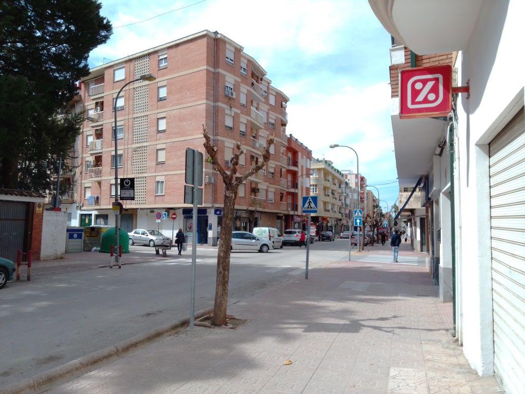 Piso en venta en Martos, Jaén, Avenida Parque, 99.000 €, 4 habitaciones, 1 baño, 110 m2