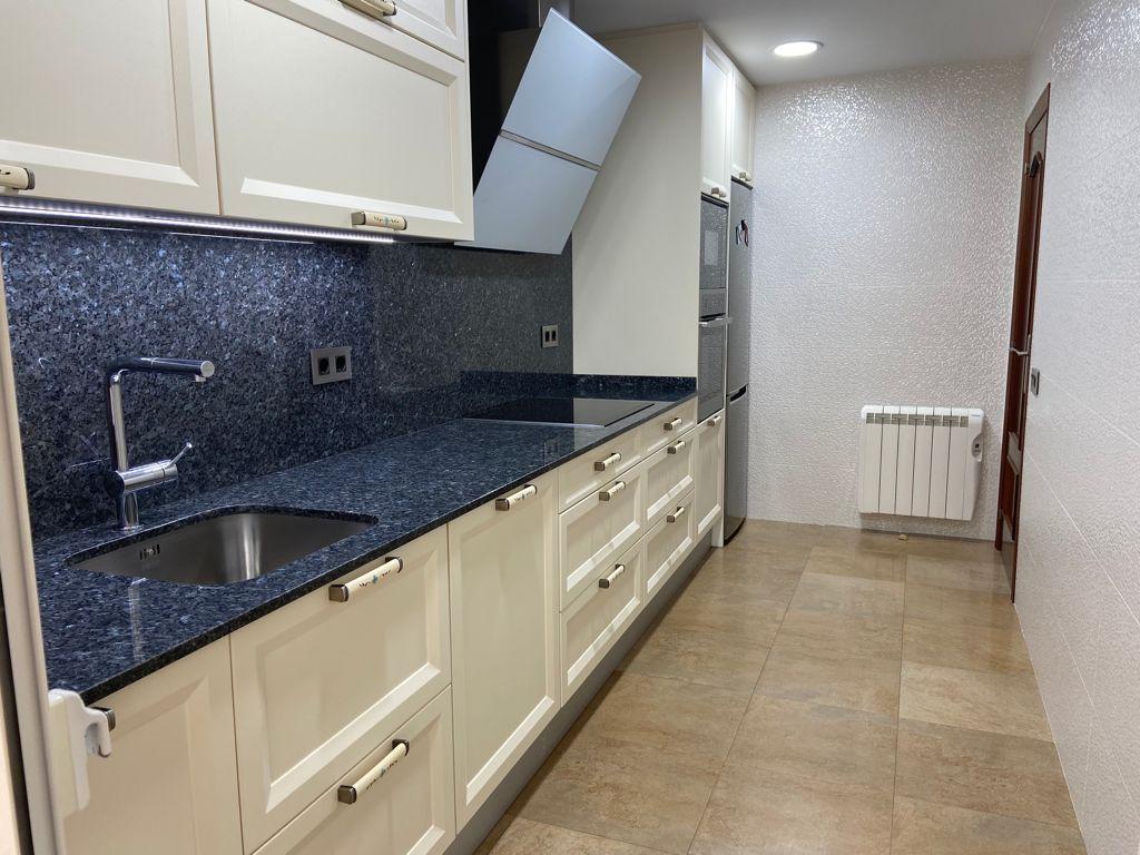 Piso en venta en Calafell, Tarragona, Calle Victor Catala, 235.000 €, 3 habitaciones, 2 baños, 131 m2