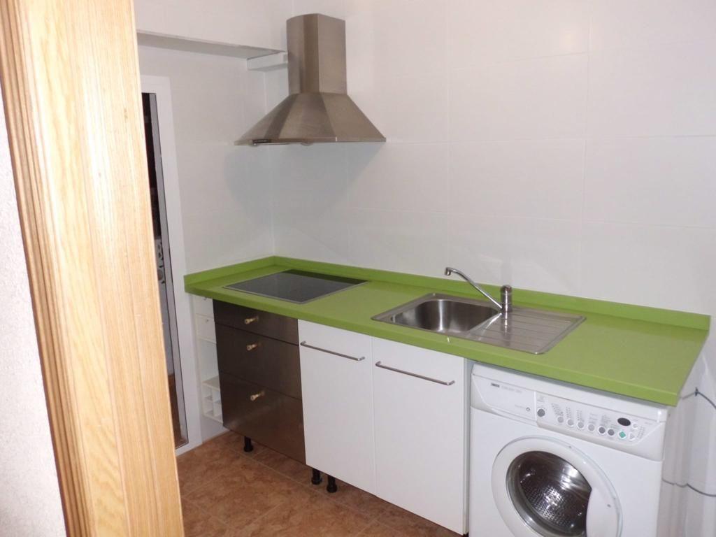 Piso en venta en 40008, Almería, Almería, Calle David, 89.000 €, 4 habitaciones, 1 baño, 89 m2
