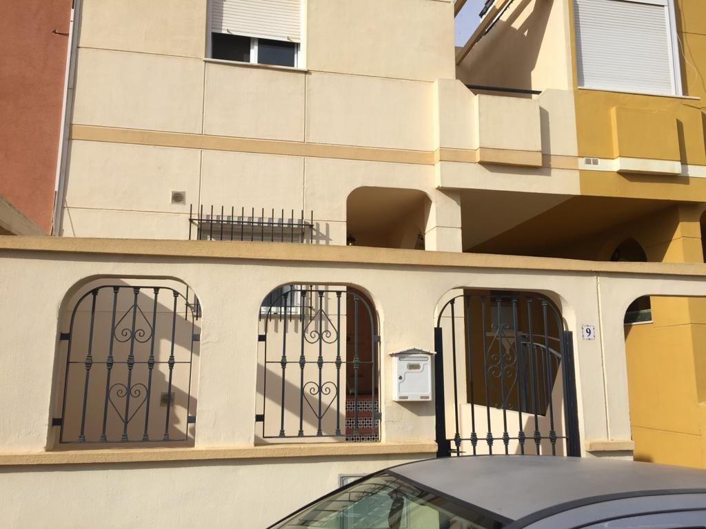 Casa en venta en Huércal de Almería, Almería, Calle Carpinteros, 139.500 €, 3 habitaciones, 2 baños, 164 m2