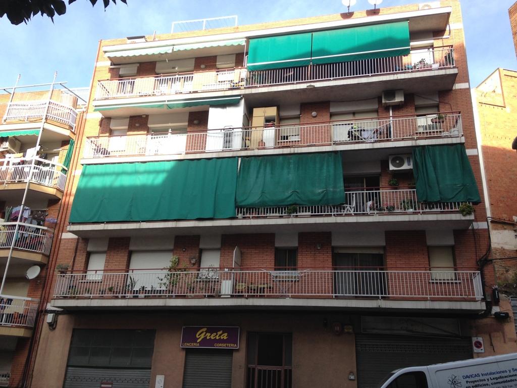 Piso en venta en Badalona, Barcelona, Calle General Moragues, 123.000 €, 3 habitaciones, 1 baño, 78 m2