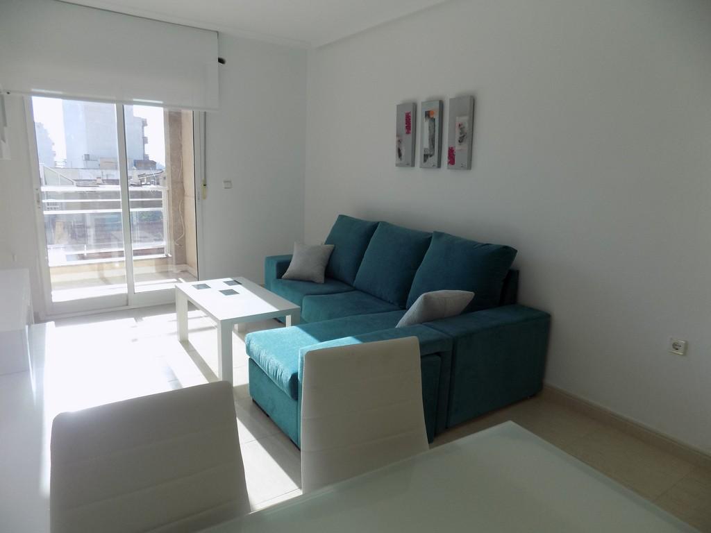 Piso en venta en Torrevieja, Alicante, Calle Villa Madrid, 69.000 €, 2 habitaciones, 1 baño, 68 m2