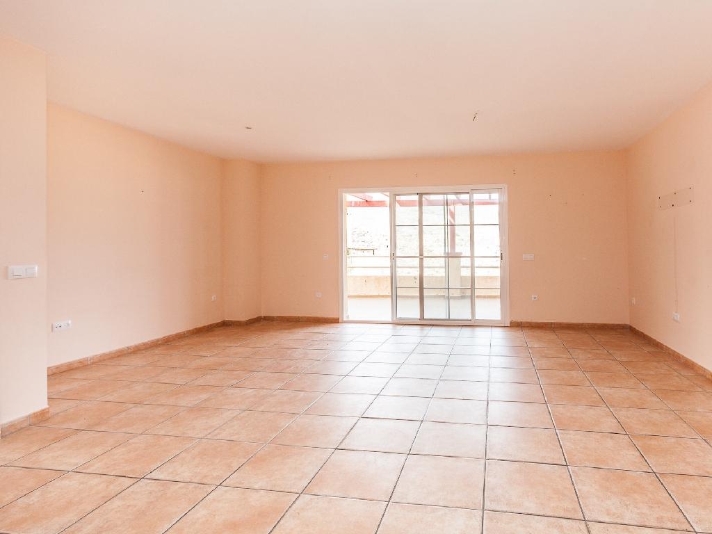 Piso en venta en Vícar, Almería, Calle la Higuera, 59.000 €, 2 habitaciones, 2 baños, 93 m2