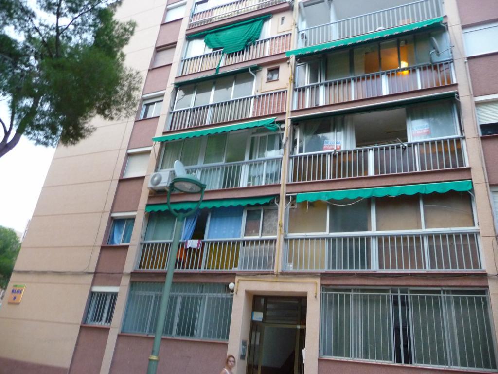 Piso en venta en Tarragona, Tarragona, Calle Arquitecto Jujol, 27.500 €, 3 habitaciones, 1 baño, 73 m2