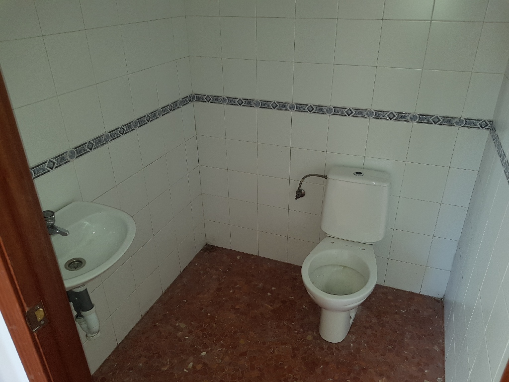Local en venta en Distrito Sur, Córdoba, Córdoba, Calle General Lazaro Cardenas, 7.500 €, 25 m2