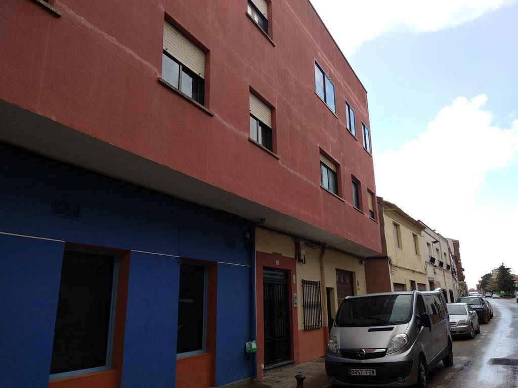 Piso en venta en Piso en Villarrobledo, Albacete, 73.800 €, 3 habitaciones, 2 baños, 97 m2