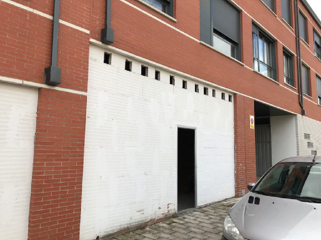 Local en venta en Valladolid, Valladolid, Calle Iris, 91.500 €, 181 m2
