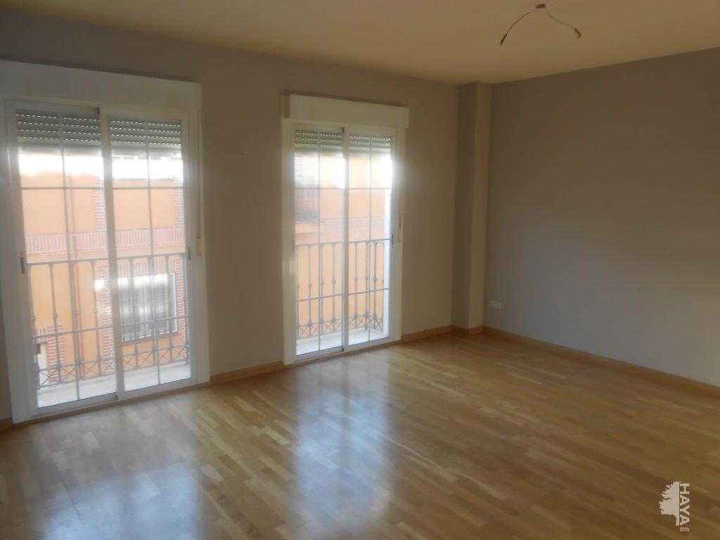 Piso en venta en Loeches, Madrid, Calle Tercia, 167.694 €, 2 habitaciones, 2 baños, 148 m2
