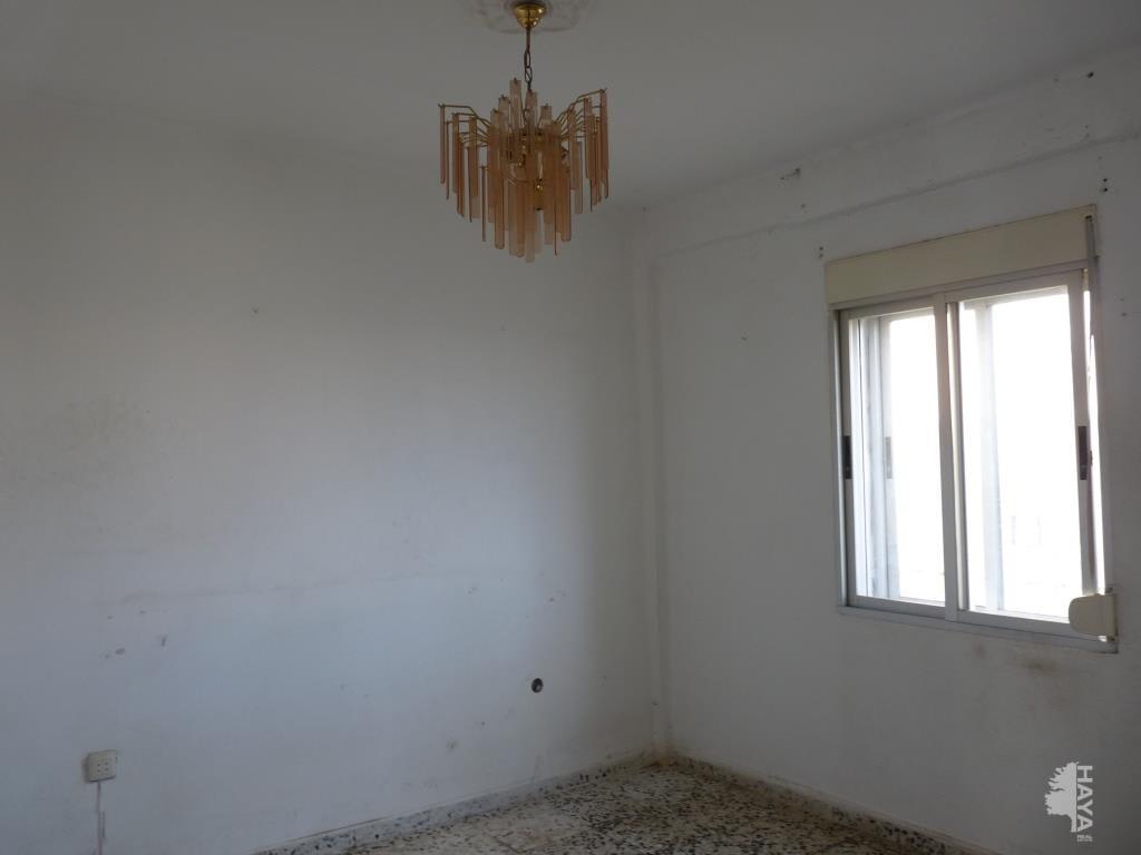Piso en venta en Barriada San Miguel, Badajoz, Badajoz, Calle Ramon Salas Terron, 44.900 €, 3 habitaciones, 1 baño, 62 m2