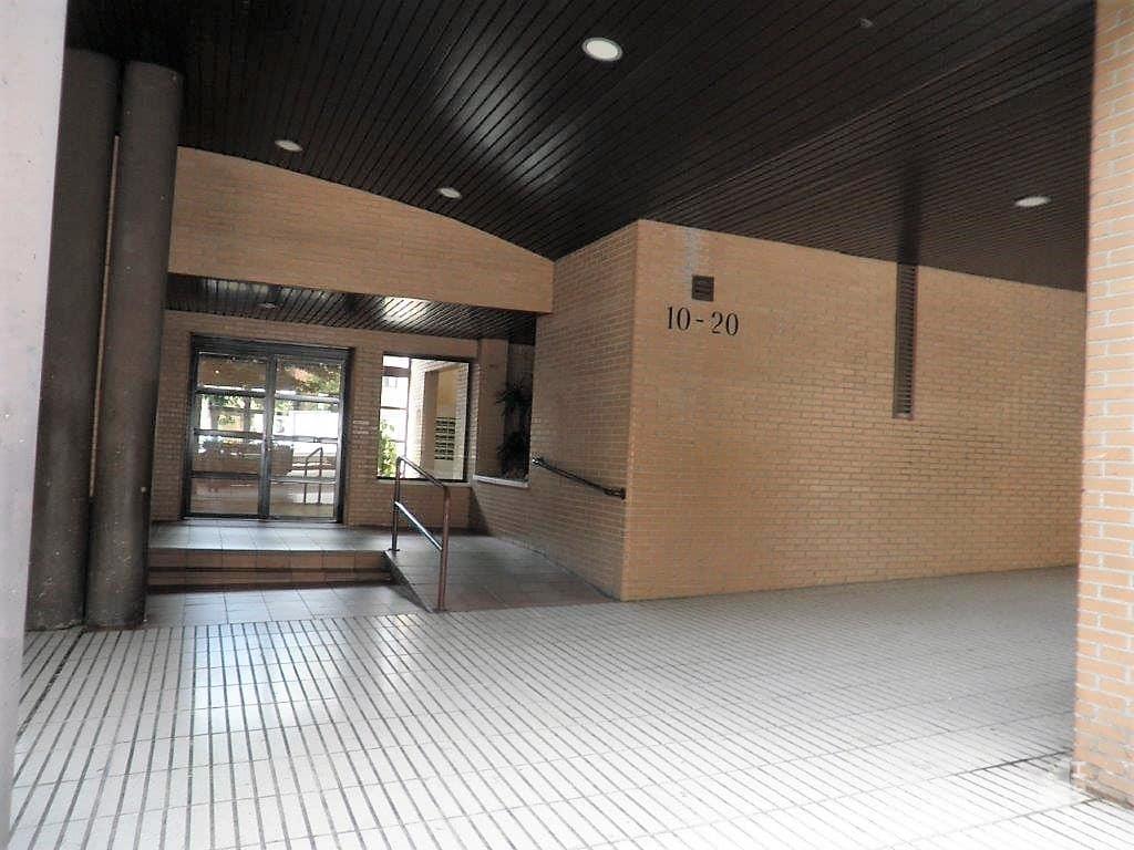Piso en venta en Madrid, Madrid, Calle Aquitania, 266.386 €, 2 habitaciones, 2 baños, 74 m2