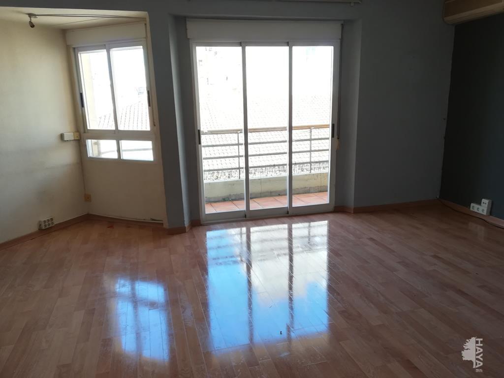 Piso en venta en Gandia, Valencia, Avenida Nueve de Octubre, 61.875 €, 3 habitaciones, 1 baño, 113 m2