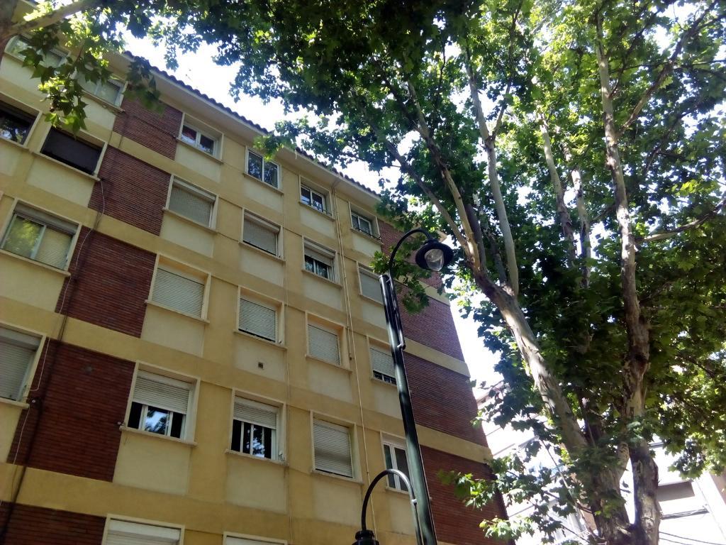 Piso en venta en Zaragoza, Zaragoza, Calle Compromiso de Caspe, 45.100 €, 2 habitaciones, 1 baño, 51 m2