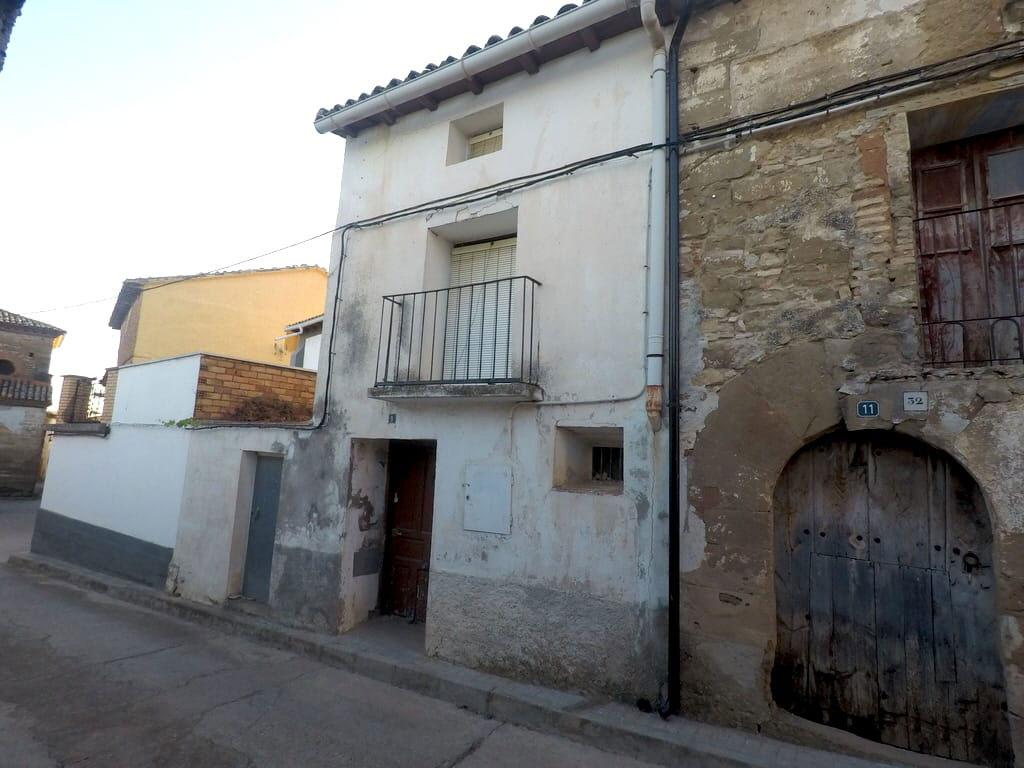 Casa en venta en Lierta, la Sotonera, Huesca, Calle Mayor, 35.301 €, 3 habitaciones, 1 baño, 287 m2