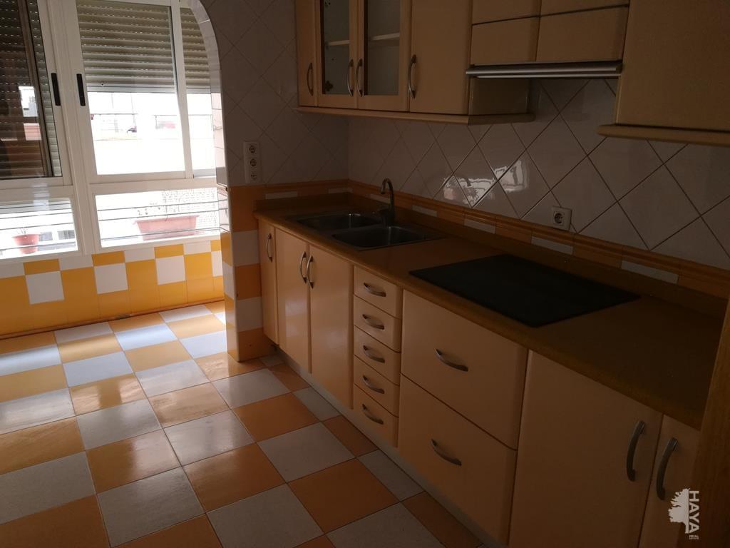 Piso en venta en Piso en Castellón de la Plana/castelló de la Plana, Castellón, 36.339 €, 3 habitaciones, 2 baños, 104 m2