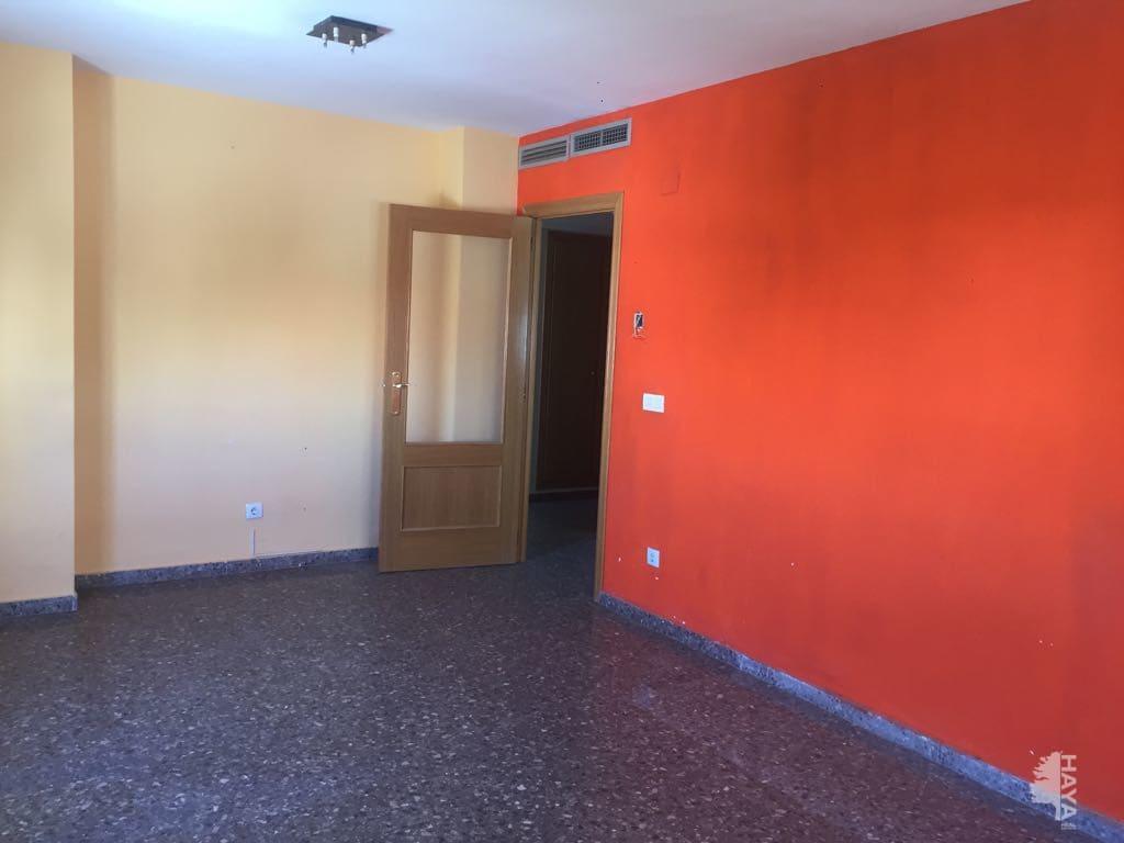 Piso en venta en Aldaia, Valencia, Calle Minglanilla, 70.100 €, 2 habitaciones, 1 baño, 86 m2
