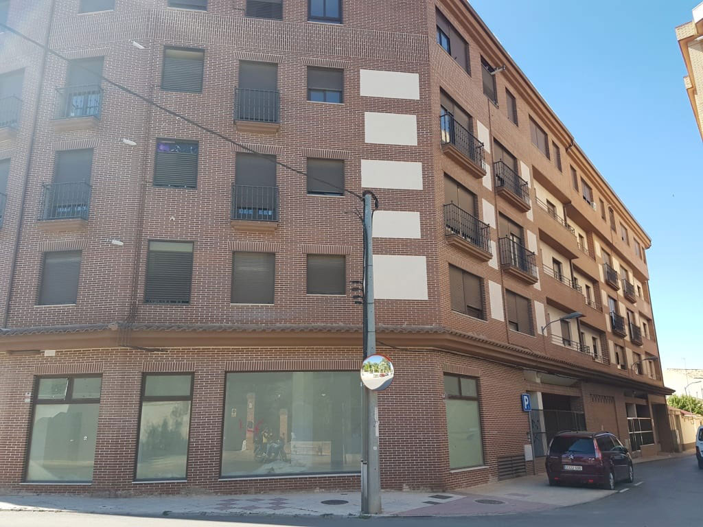 Local en venta en Tarancón, Cuenca, Calle General Emilio Villaescusa, 1.129.000 €, 244 m2