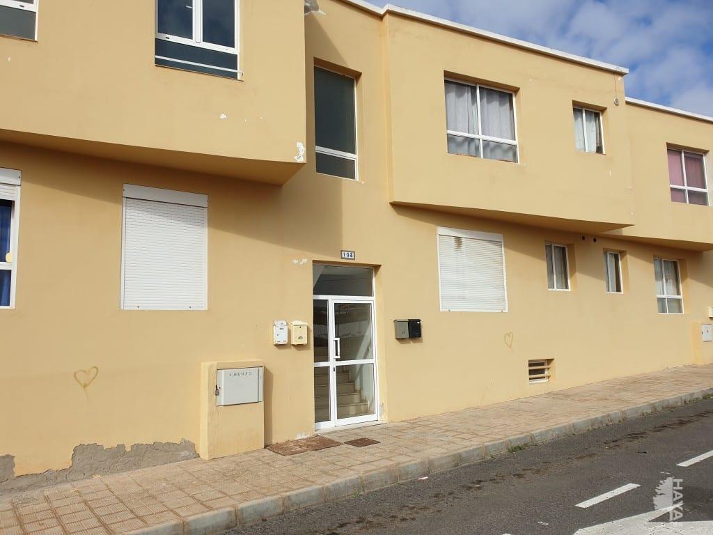 Piso en venta en Barrio Fabelo, Puerto del Rosario, Las Palmas, Calle Cataluña, 111.752 €, 3 habitaciones, 1 baño, 102 m2