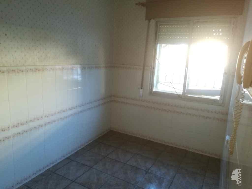 Piso en venta en Piso en Sagunto/sagunt, Valencia, 51.720 €, 4 habitaciones, 1 baño, 86 m2