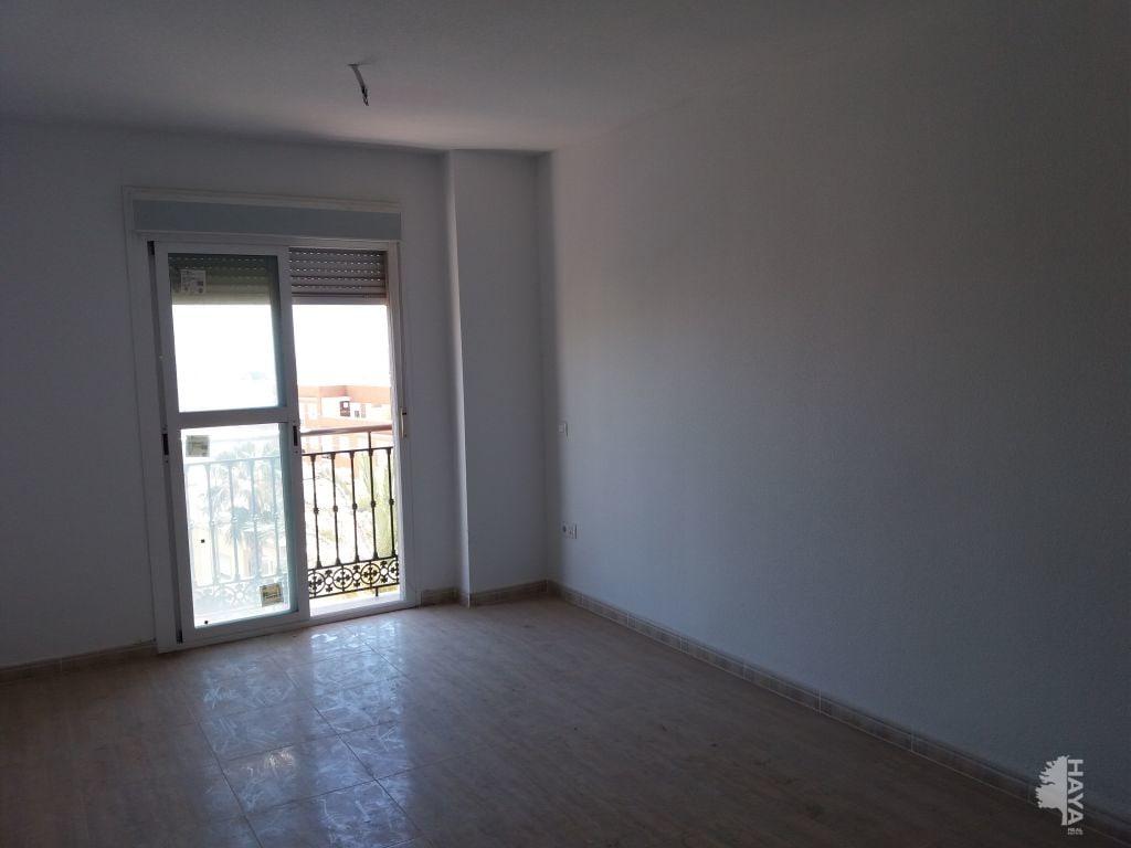 Piso en venta en El Parador de la Hortichuelas, Roquetas de Mar, Almería, Carretera de Alicum, 64.000 €, 2 habitaciones, 2 baños, 68 m2