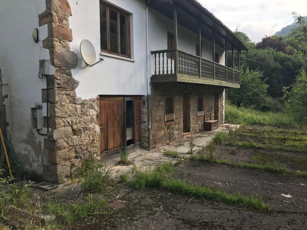 Casa en venta en Barrio de la Peña, Mieres, Asturias, Lugar Prado Pico El Terronal, 97.300 €, 3 habitaciones, 1 baño, 187,5 m2