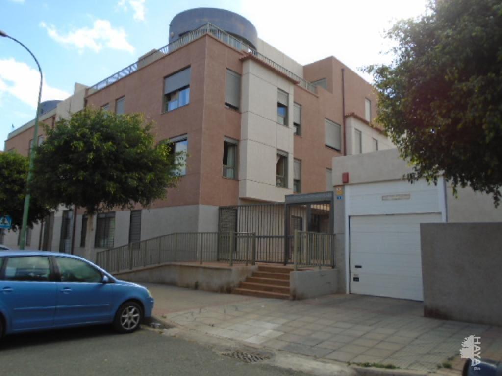 Piso en venta en Vecindario, Santa Lucía de Tirajana, Las Palmas, Calle Isla de la Graciosa, 211.600 €, 4 habitaciones, 2 baños, 188 m2