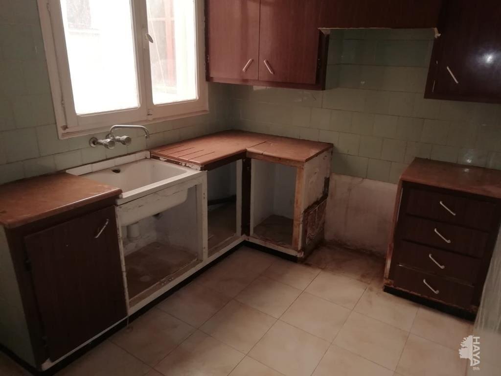 Piso en venta en Piso en Vila-real, Castellón, 33.000 €, 3 habitaciones, 1 baño, 109 m2