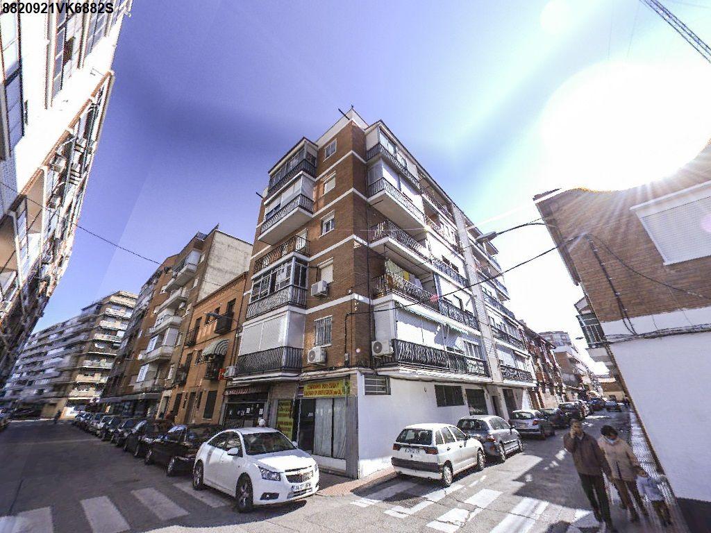 Piso en venta en Alcalá de Henares, Madrid, Calle Silo, 121.000 €, 2 habitaciones, 1 baño, 87 m2