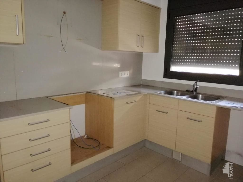 Piso en venta en Xalet del Robert, Torelló, Barcelona, Calle Estudis (els), 109.900 €, 3 habitaciones, 2 baños, 88 m2