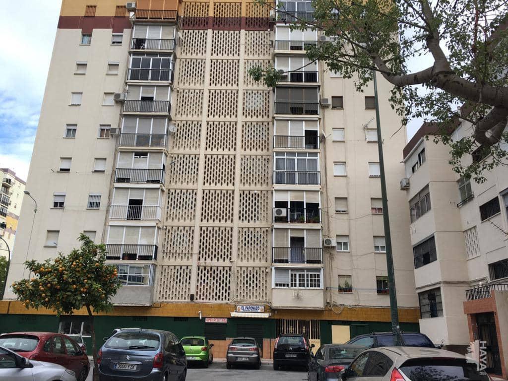 Piso en venta en Palma-palmilla, Málaga, Málaga, Calle Guadalbullon, 44.510 €, 3 habitaciones, 1 baño, 84 m2