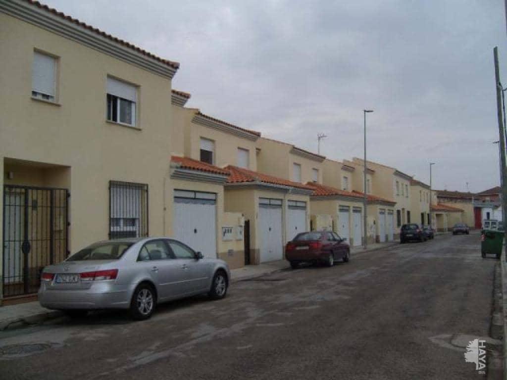 Casa en venta en Tomelloso, Ciudad Real, Calle Perez Galdos, 64.000 €, 3 habitaciones, 1 baño, 105 m2