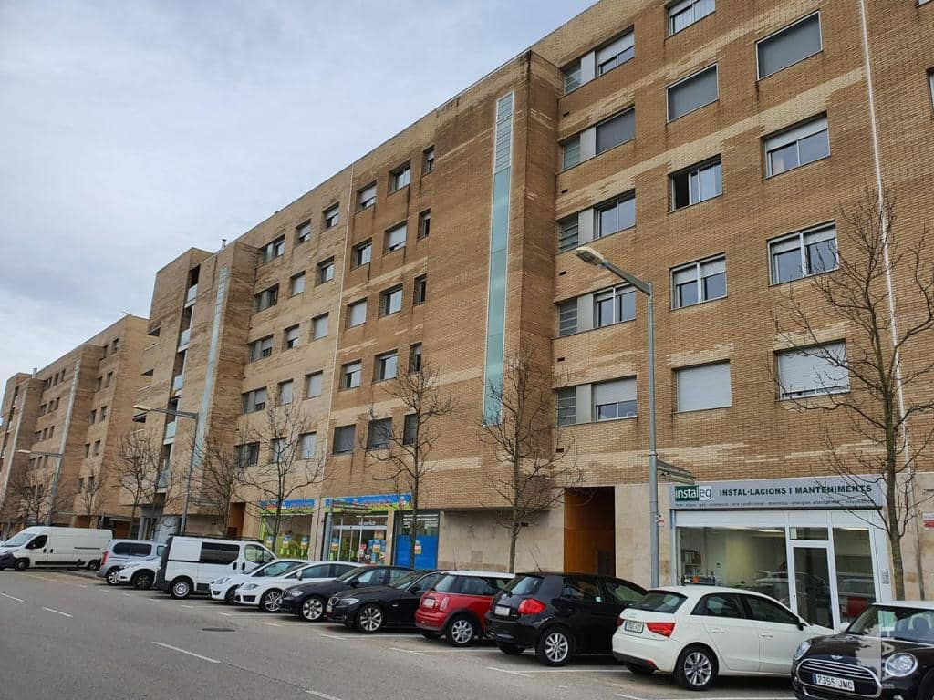 Piso en venta en Salt, Girona, Calle Pla de Salt, 117.800 €, 2 habitaciones, 1 baño, 72 m2