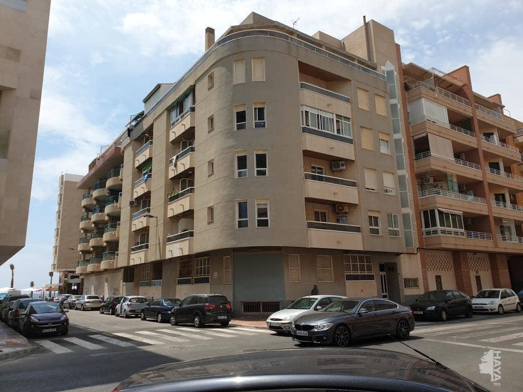 Piso en venta en Piso en Torrevieja, Alicante, 121.330 €, 3 habitaciones, 1 baño, 82 m2