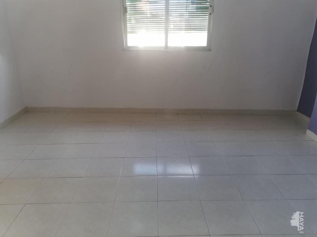 Piso en venta en Piso en Burriana, Castellón, 22.400 €, 3 habitaciones, 1 baño, 73 m2