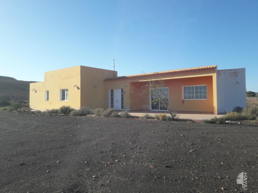Casa en venta en Juan Gopar, Tuineje, Las Palmas, Lugar Charco (el), 224.100 €, 4 habitaciones, 2 baños, 173 m2