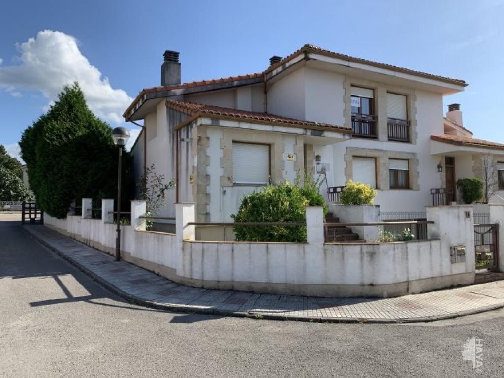 Casa en venta en Camargo, Camargo, Cantabria, Calle Llosuca (la), 281.000 €, 3 habitaciones, 3 baños, 223 m2